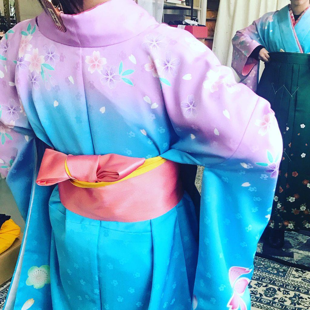 ブルーと紫の着物に袴合わせ