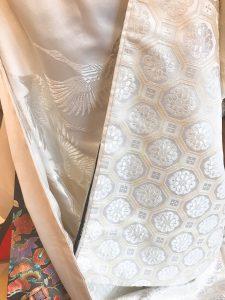 白無垢 亀甲文様に鶴が優雅に舞う花嫁衣装です。レンタル衣装のお問い合わせはヘアメイク着付け杠(ゆずりは)へお気軽にお問い合わせください